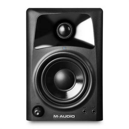 M-AUDIO AV32 M-AUDIO AV32 -