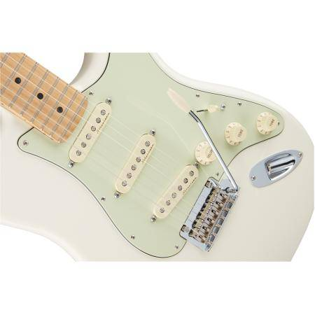 Fender Deluxe Roadhouse Stratocaster®, Maple Fingerboard, OWT, Guitarra eléctrica