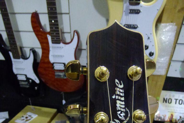 Guitarra acústica takamine barata