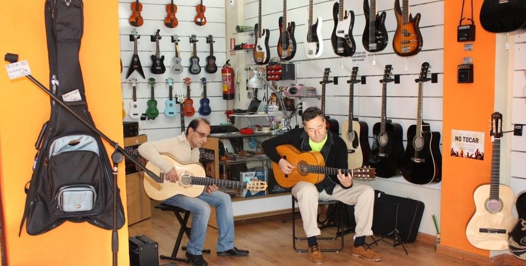 Miguel Linares en Musicopolix