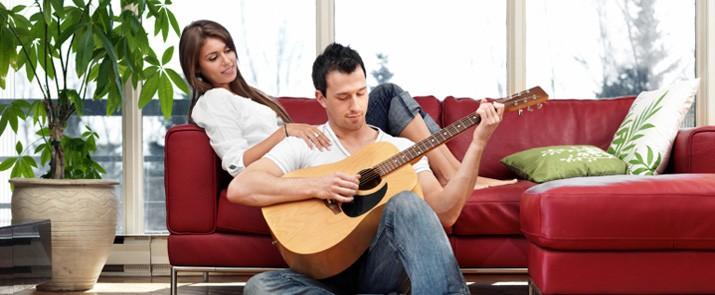tocar la guitarra2