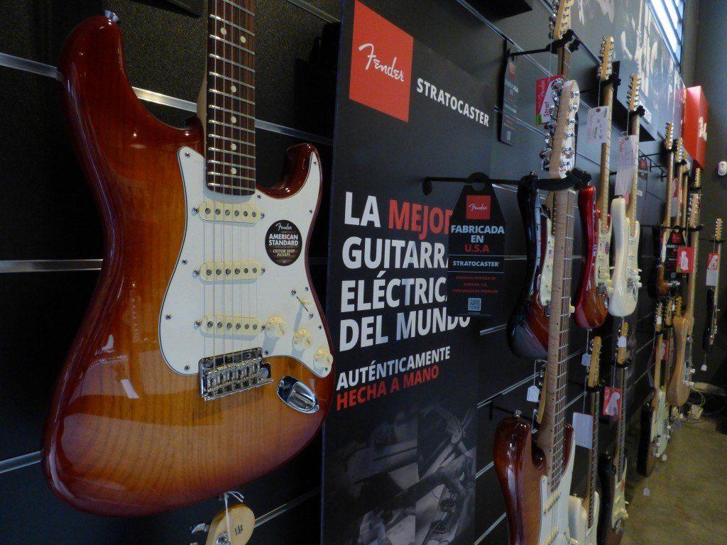 ¿Cómo eliminar los ruidos en guitarra eléctrica?