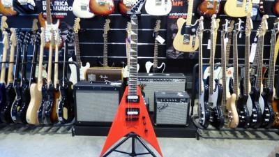 Las Guitarras Jackson, Periphery y su secreto profesional