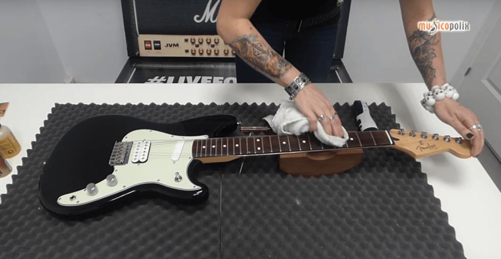Trucos para el mantenimiento de guitarra o bajo