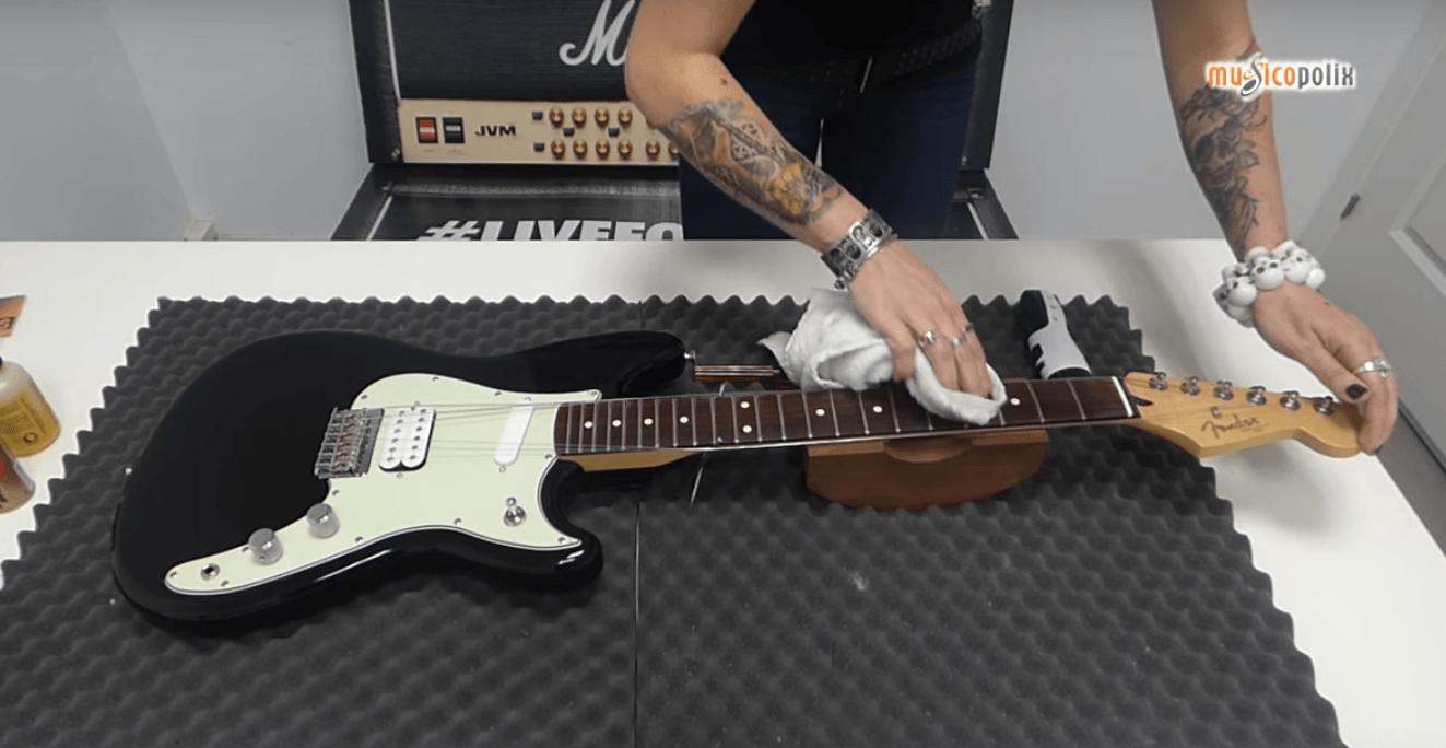 mantenimiento_de_guitarra