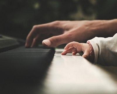 La importancia de una estimulación musical temprana