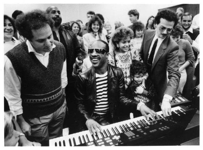 ¿Qué tienen en común Stevie Wonder y el Director de Ingeniería deGoogle,Ray Kurzweil?