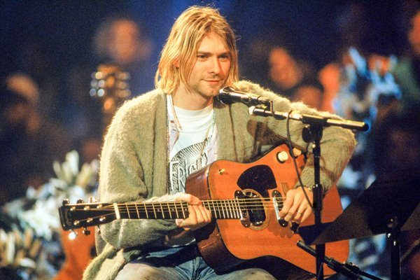 kurt_cobain_guitarras_martin_mvunplugged
