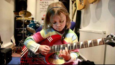 Tus hijos serán más inteligentes si les apuntas a clases musicales (según la neurociencia)