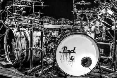 Diferentes acabados, idéntico final. Las nuevas baterías Pearl, ya en Musicopolix.