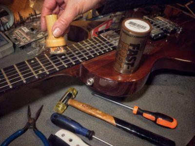 Los cinco consejos para que mantener tu guitarra como nueva no te resulte aburrido.