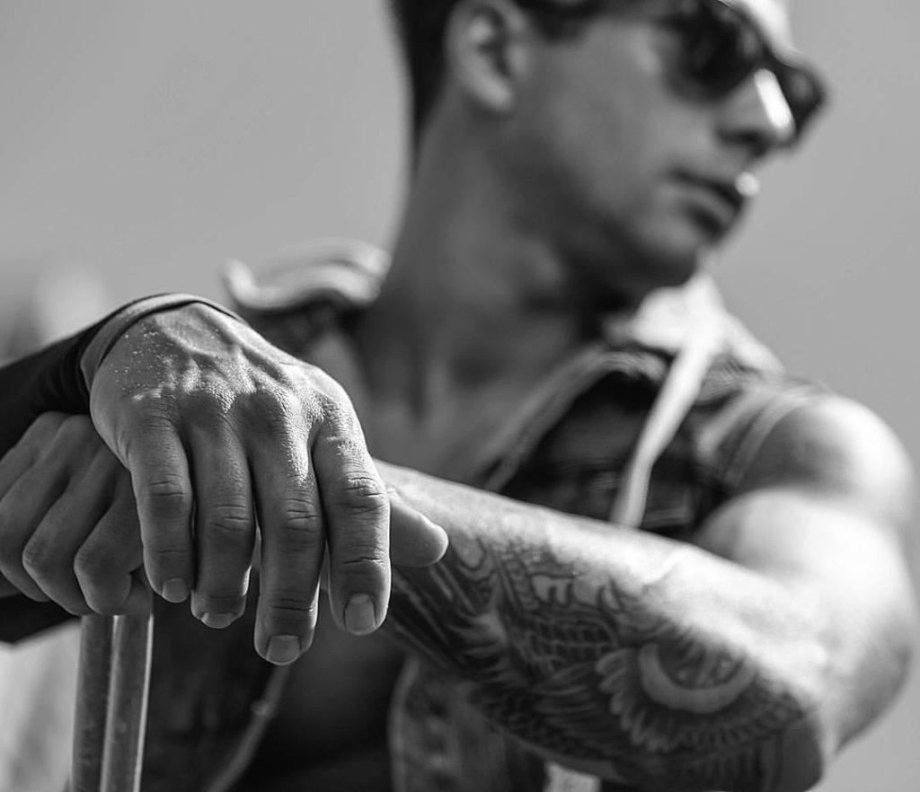 ¿Conoces a Deiv Hook? Musicopolix te presenta al baterista con más seguidores en redes sociales en España.