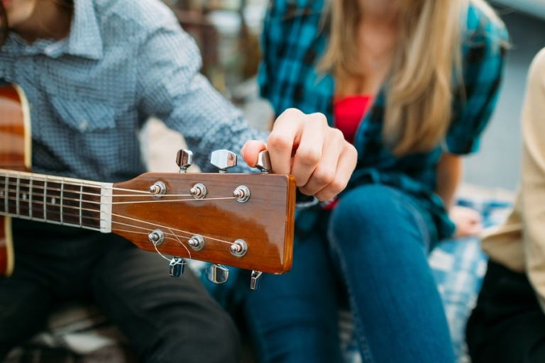 Afinar tu guitarra portada
