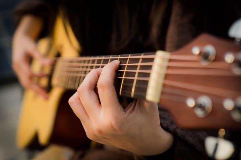 consejos para aprender a tocar la guitarra española portada