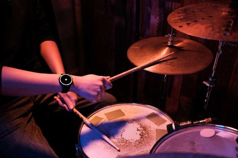 cómo aprender a tocar la batería portada