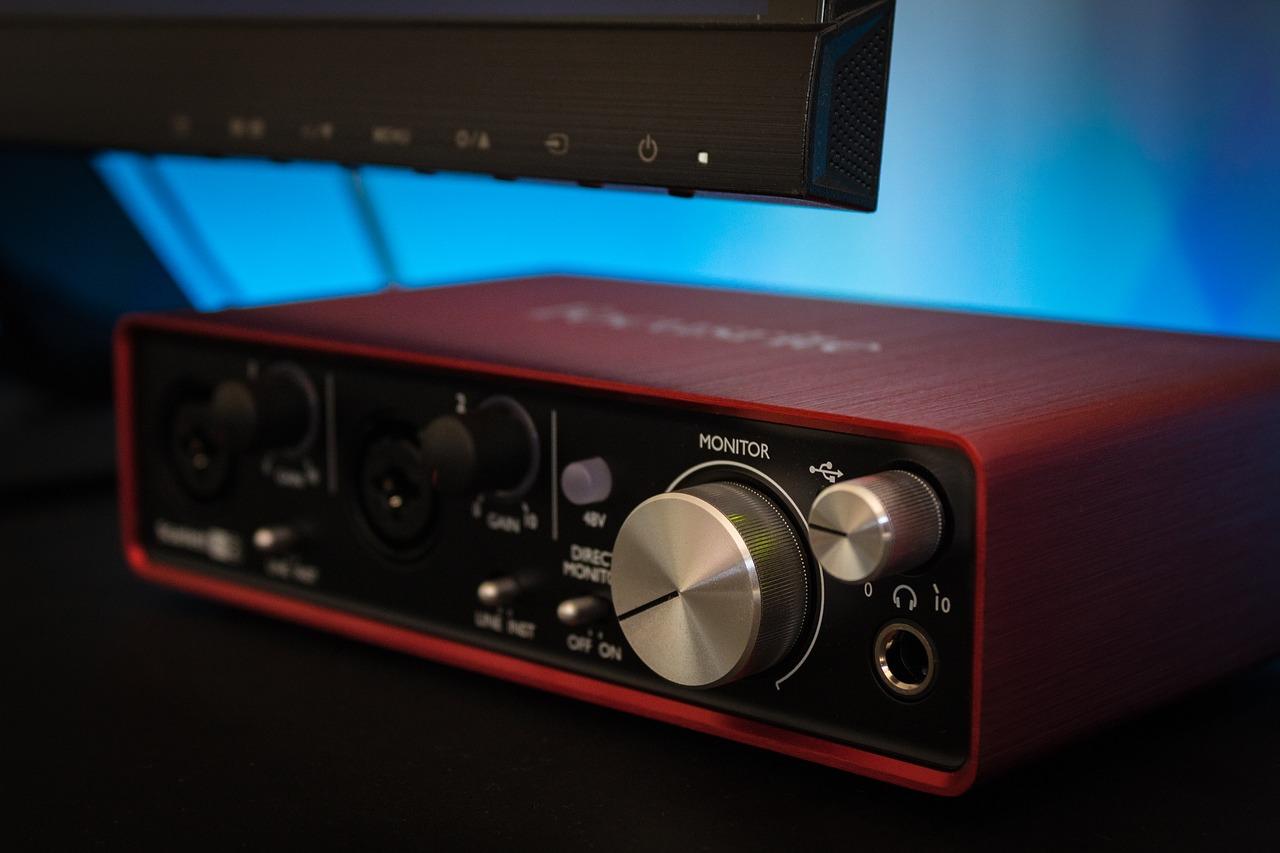 cuáles son las mejores interfaces de audio para tu estudio bonitas