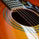 las mejores marcas de guitarras acústicas portada